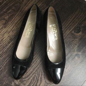 Vintage Salvatore Ferragamo black shoes, low heel
